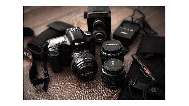 Looking for a camera in sub-Rs 20,000 range? Here are some good options. These cameras are not only good for family photographs, but also for landscapes and scenery.